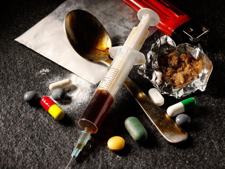 مكافحة المواد المخدرة والمؤثرات العقلية